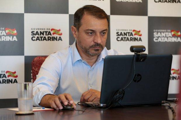 governador_carlos_moises_em_webconferencia_20210223_1471894905 (1)